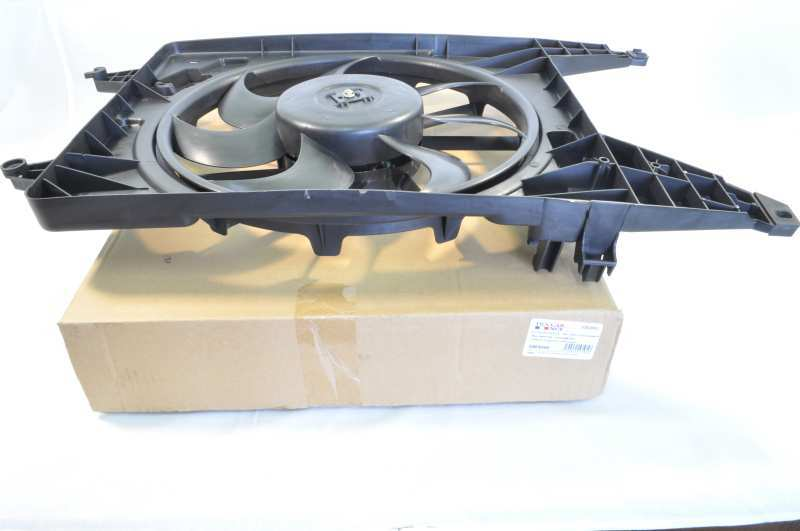 Мотор вентилятора FCR210412 8200765566/FRANCECARAMD.RENAULT (Logan ph2), ЛАДА ЛАРГУС
