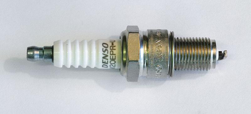 Свеча зажигания. Denso (W20EPRU)