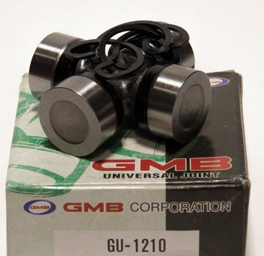 Крестовина переднего кардана (GMB). (GU1210)